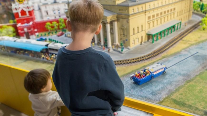 """Фото: Алан Кациев, """"«Мир 24»"""":http://mir24.tv/, дети, детский мир, большой театр"""