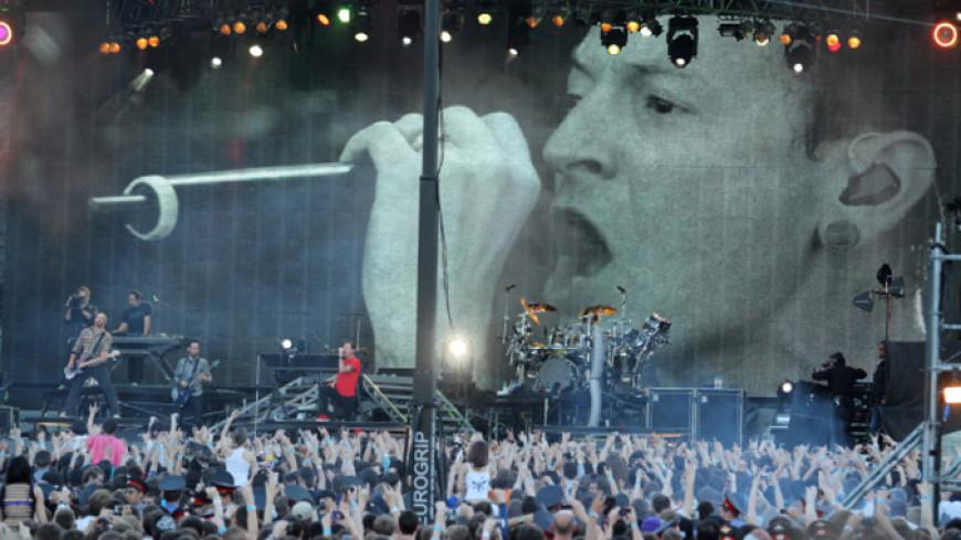 Группа Linkin Park посвятила песню Честеру Беннингтону