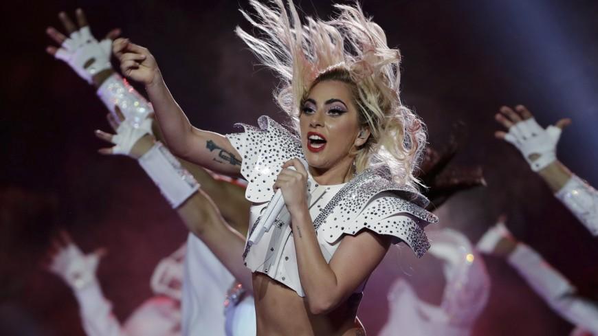 Леди Гага отменила часть концертов мирового турне из-за недомогания
