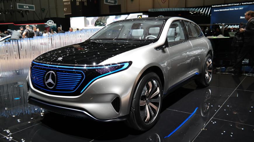 Daimler представил тизер электрокара Мерседес Бенс EQAConcept