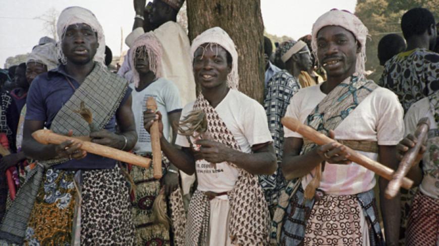 ВУганде колдуны начали приносить вжертву детей из-за засухи