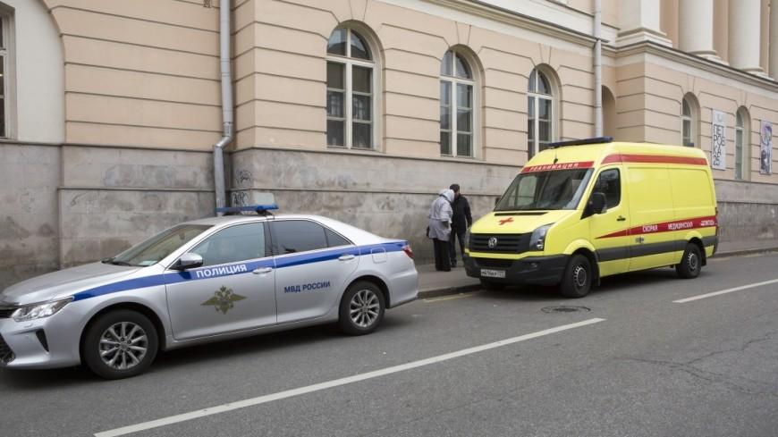 Труп изрезанного мужчины отыскали всалоне автомобиля в столице России