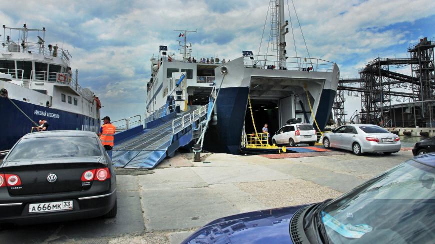 Неменее 2,5 тысячи авто ожидают открытия Керченской переправы