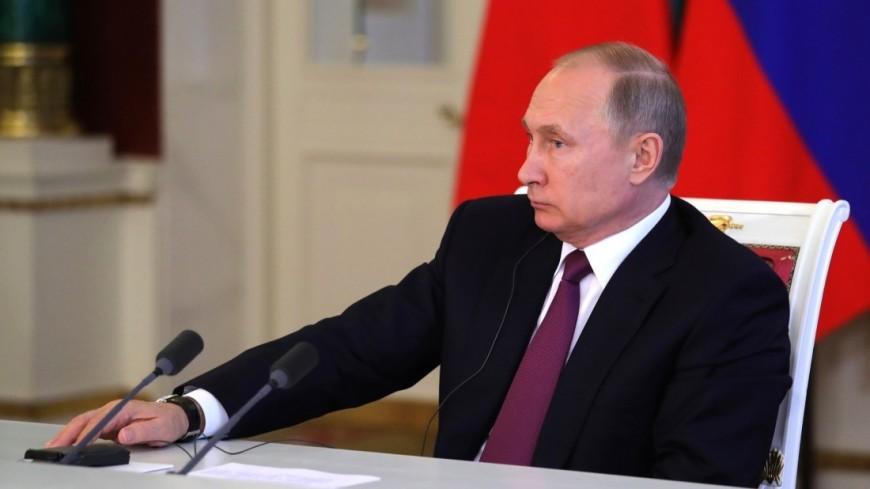 Путин назвал автотранспорт стратегически важной отраслью в России