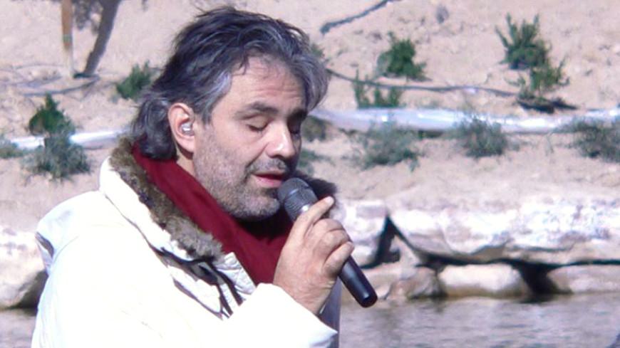 Солист Андреа Бочелли попал в клинику после падения слошади