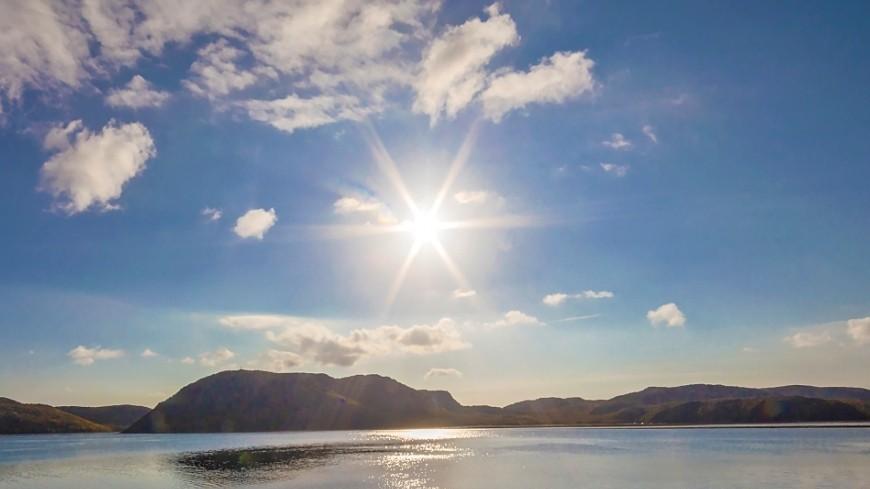 """Фото: Никита Кулаков, """"«Мир 24»"""":http://mir24.tv/, осень, море, горы, солнце"""