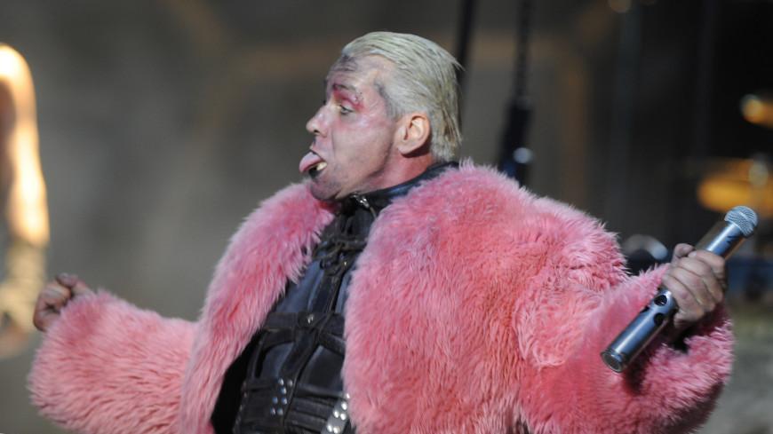 Группа Rammstein попросила не спешить ее хоронить