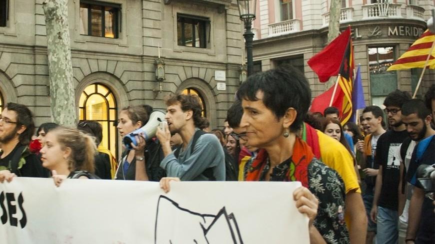 Тысячи человек вышли на улицы Каталонии в поддержку референдума
