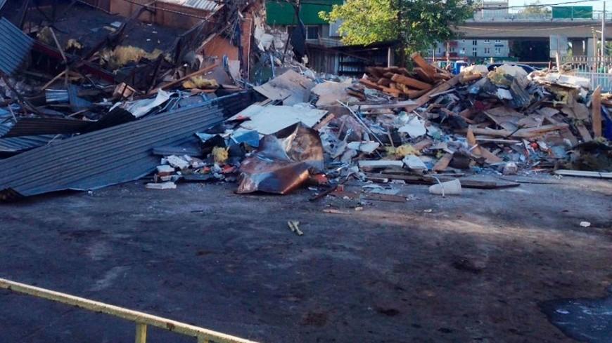 В Балашихе стена кинотеатра рухнула на людей