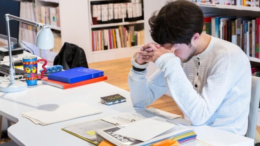 """Фото: Татьяна Константинова, """"«Мир 24»"""":http://mir24.tv/, студент, библиотека, книги, экзамен"""
