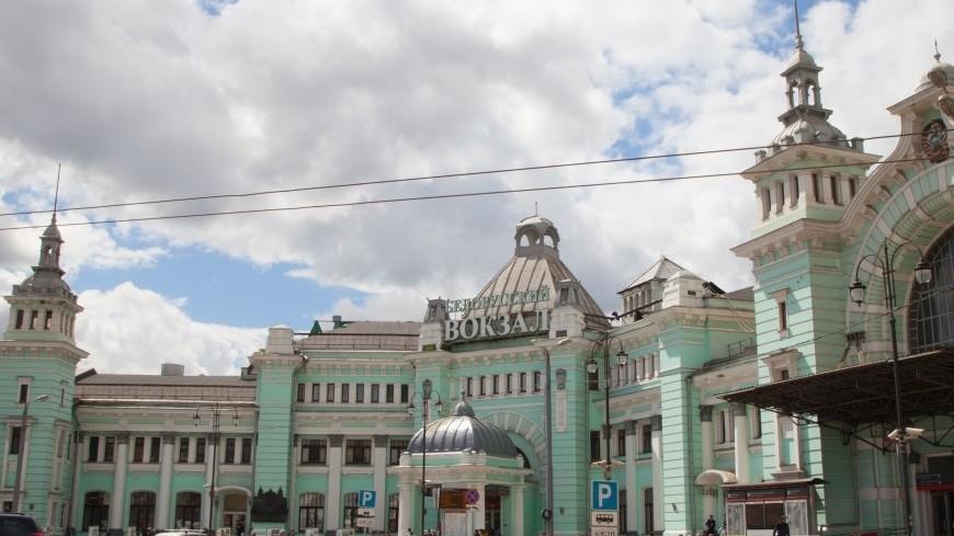У Белорусского вокзала в Москве в День города вновь пошли трамваи