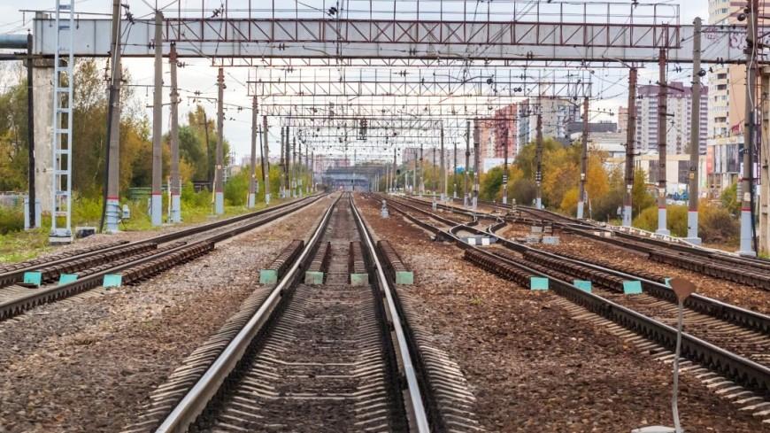 Мужчина умер под колесами поезда настанции Удельная