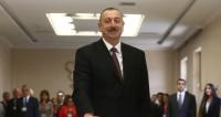 Экзитполы отдали победу на выборах в Азербайджане Ильхаму Алиеву