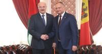 Вино и троллейбусы: Лукашенко и Додон договорились укреплять партнерство