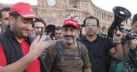 Дороги разблокированы: сторонники Пашиняна собрались в центре Еревана