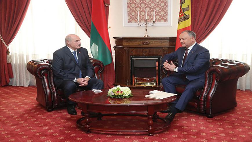 Лукашенко предложил Филипу строить в Молдове дороги на полвека