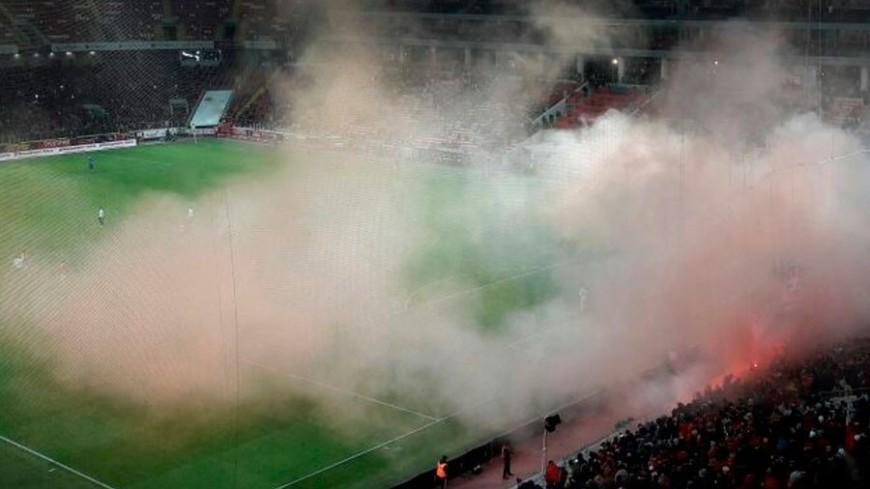 В Лиссабоне матч «Бенфика» – «Порту» закончился беспорядками