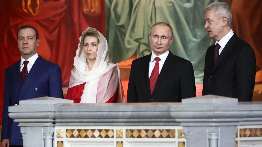 В храм Христа Спасителя на богослужение приехали Путин и Медведев