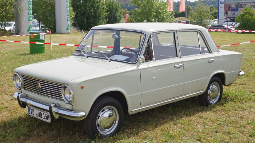 Чехи подарили музею «АвтоВАЗа» проехавшую по 30 странам «копейку»