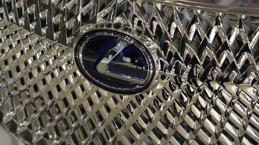 Lexus отзывает более 100 машин в России из-за неполадок в работе ДВС