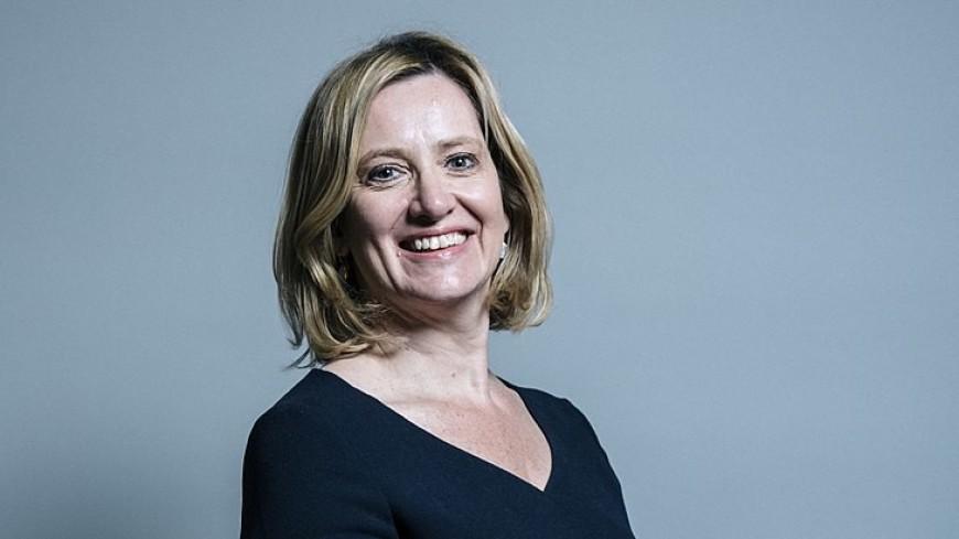 Эмбер Радд покинула пост главы МВД Великобритании из-за мигрантов