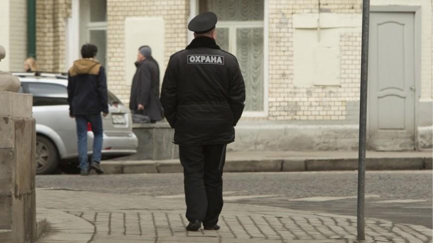 "Фото: Алан Кациев, ""«МИР 24»"":http://mir24.tv/, охранник, охрана"