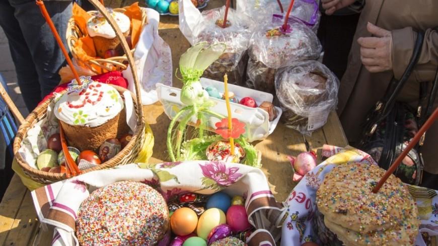 """Фото: Максим Кулачков (МТРК «Мир»)"":http://mirtv.ru/, куличи, пасха, коломенское, яйца"
