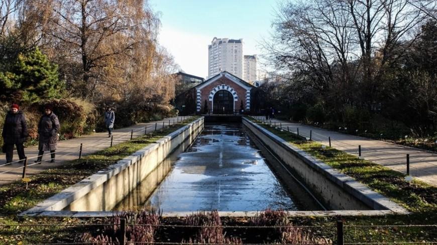 Сезон брызг: первый в Москве фонтан заработал в «Аптекарском огороде»