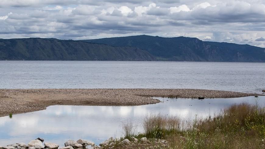 На берегу Байкала разрешили АЗС и кладбища