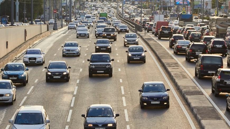 """Фото: Дмитрий Белицкий (МТРК «Мир») """"«Мир 24»"""":http://mir24.tv/, дорога, машина, машины, автомобиль, пробки, дороги, пробки в москве, авто"""