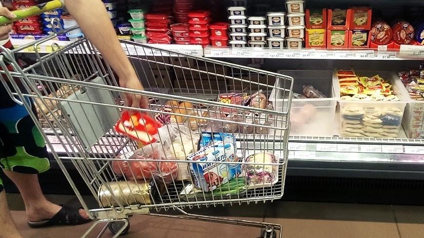 """Фото: Елизавета Шагалова, """"«МИР 24»"""":http://mir24.tv/, витрина, продукты, магазин"""