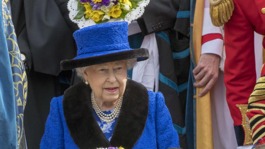 Елизавета II сравнила Трампа с громким вертолетом