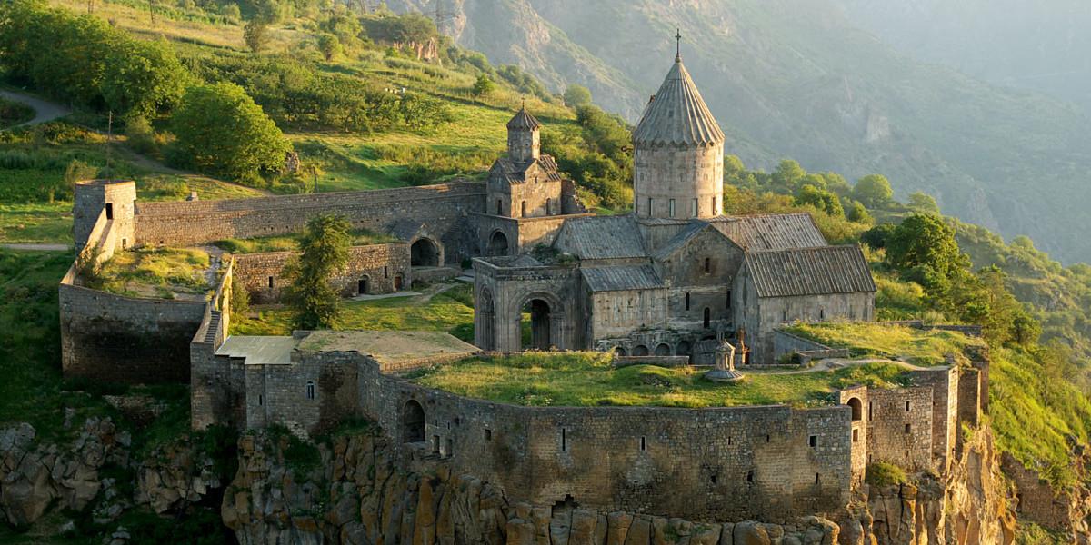 «С миру по нитке» в Армении: почему Ереван – город на вечных каникулах?