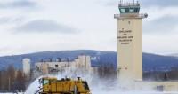 """Фото: Tech. Sgt. Joseph Swafford Jr., """"Минобороны США"""":http://www.defense.gov/, снегопад в сша, аляска, снегоуборочная техника"""