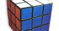 Студент из Тбилиси побил рекорд по сбору кубика Рубика под водой