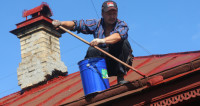 Зелено-бордовый Душанбе: крыши домов в городе перекрасят