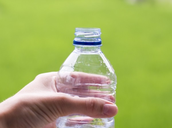 Опасный пластик: как синтетические полимеры захватили мир