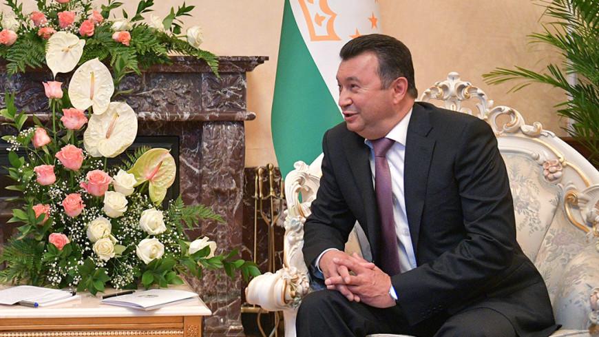 Премьер Таджикистана отремонтирует дороги в родном селе за свой счет