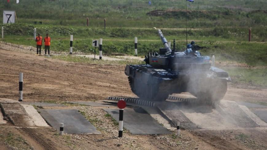 На военном полигоне «Алабино» в Подмосковье начался «Танковый биатлон-2018»