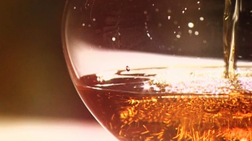 """Скриншот:  """"«Мир 24»"""":http://mir24.tv/, алкоголь, вино"""