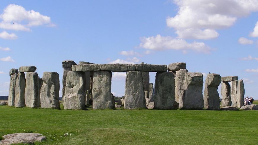 Камень из Стоунхенджа вернулся на свое место 60 лет спустя