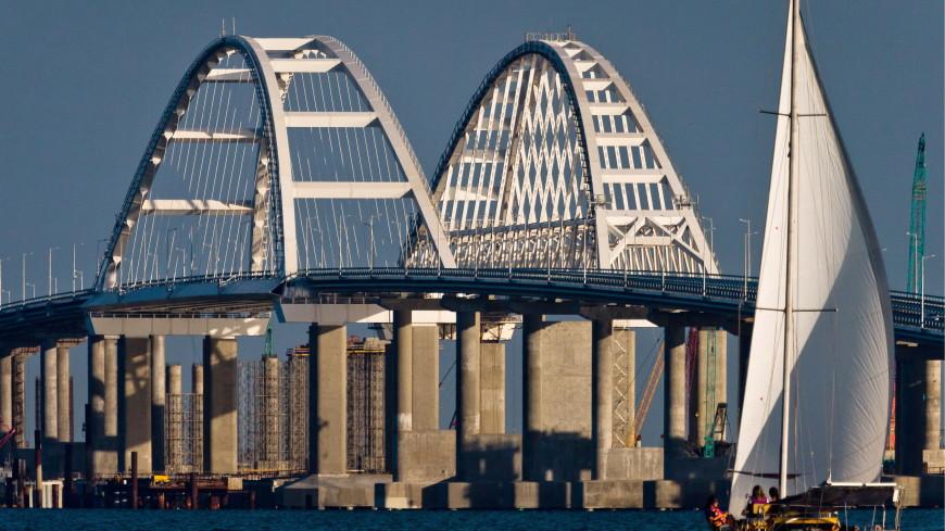По Крымскому мосту проехало уже более двух миллионов машин