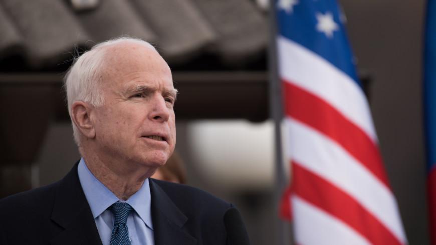 СМИ: Трамп запретил называть Маккейна героем