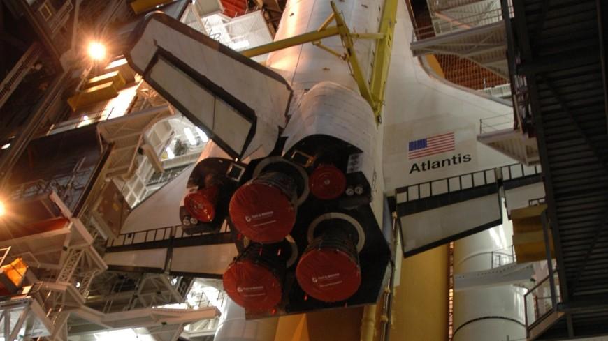 Астронавт NASA заметил в шаттле Atlantis полупрозрачное существо