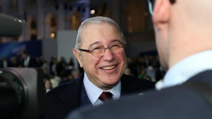 Евгений Петросян в предвыборном штабе Владимира Путина