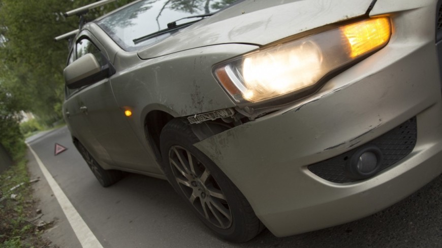 "Фото: Максим Кулачков (МТРК «Мир») ""«Мир 24»"":http://mir24.tv/, машина, авария, аварийный знак, дпс, дтп, авто, автомобиль"