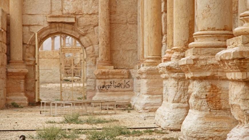 """""""Фото: Сергей Любавин, «МИР 24»"""":http://mir24.tv/, памятник, пальмира, сирия, архитектура, развалины"""