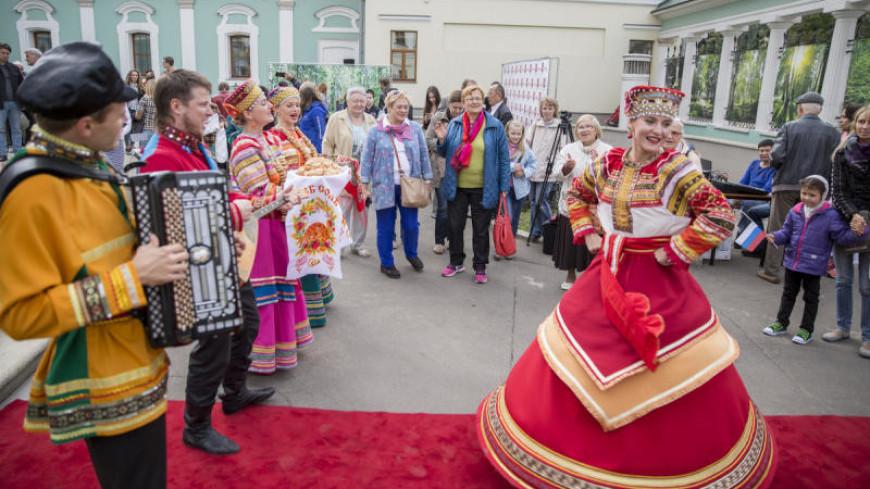 Ремесла, фольклор и катание на лошадях: в Москве пройдет семейный фестиваль