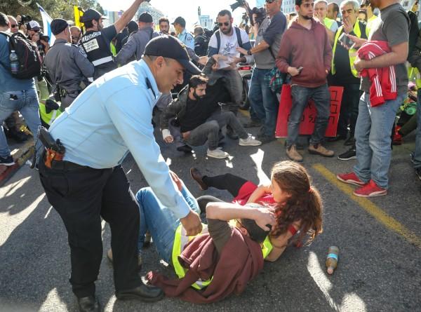 Протесты «желтых жилетов» добрались до Израиля