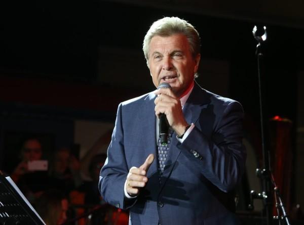 Певца Льва Лещенко экстренно госпитализировали